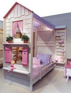 Cama y casa de juegos