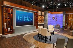 td-jakes-show-studio-set.jpg (1366×902)