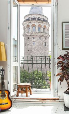 Galata Tower in Istanbul, Turkey Places Around The World, Oh The Places You'll Go, Wonderful Places, Beautiful Places, Toscana Italia, Capadocia, Foto Blog, Rooms For Rent, Turkey Travel