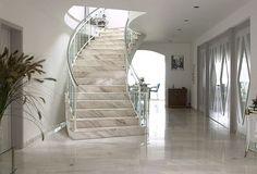 Material, Farbe und Form machen unsere Treppen modern und luxuriöus. Die Investition soll sich auch noch nach vielen Jahren für das Auge lohnen. http://www.granit-deutschland.net/granit-treppen