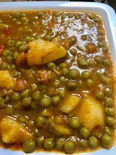 Greek Recipes, Indian Food Recipes, Ethnic Recipes, Cookbook Recipes, Cooking Recipes, Cypriot Food, Masala Recipe, Iranian Food, Chana Masala