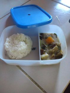 On today's menu at Holy Spirit school is Ginataang gulay. 500 kids will receive a healthy,free lunch. #endhunger #Philippines #school+ #food = #hope