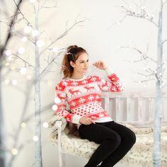 Dames kersttrui met nordic patroon rood/wit. Deze rood/witte gebreide dames trui met klassieke nordic print heeft een mooi aansluitende pasvorm. Materiaal: 100% acryl. Christmas Sweaters, Lace, Prints, Fashion, Moda, La Mode, Racing, Fasion, Fashion Models
