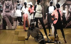 What is Visual merchandising? Top 5 tips to create effective store design to boost sales of your store