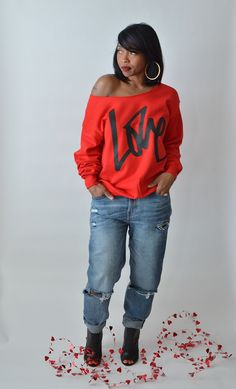 E 2019 Love valentines day outfit idea boyfriend jeans dentz denim fall outfit idea winter outfit idea The post L.E 2019 appeared first on Outfit Diy. Fall Fashion Outfits, Look Fashion, Winter Outfits, Autumn Fashion, Casual Outfits, Cute Outfits, Womens Fashion, Fashion Trends, Jeans Fashion