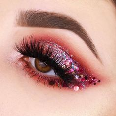 Eye make-up that looks fabulous! - - glitter Eye make-up that looks fabulous! Eye make-up that looks fabulous! - - glitter Eye make-up that looks fabulous! Makeup Eye Looks, Eye Makeup Art, Glitter Eye Makeup, Cute Makeup, Eyeshadow Looks, Pretty Makeup, Makeup Geek, Makeup Inspo, Eyeshadow Makeup
