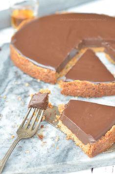 Ganache taart van Rutger van den Broek - Carola Bakt Zoethoudertjes No Bake Cookies, Cake Cookies, Tiramisu, Weird Food, Baking And Pastry, Pie Cake, Pie Dessert, Easy, Bbq Desserts