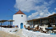 Cafe at the windmill Greek Islands, Windmill, More Photos, Beautiful Images, The Good Place, Greece, Cabin, House Styles, Places