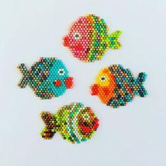 La famille s'agrandit... #miyuki #jenfiledesperlesetjassume #brickstitch #miyukibeads #poisson