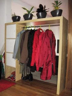 Ikea-Hacks: Expedit als Kleiderschrank