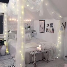 45 romantic and elegant bedroom decor ideas you will love 36 Small Room Bedroom, Home Decor Bedroom, Diy Bedroom, Bed Room, Master Bedroom, Cute Room Decor, Cute Bedroom Ideas, Girl Bedroom Designs, Cozy Room