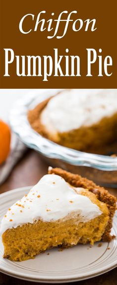 A truly special chiffon pumpkin pie with a light pudding-like pumpkin filling and a gingersnap cookie crust. Pumpkin Pie Recipes, Fall Recipes, Sweet Recipes, Holiday Recipes, Flan, Pumpkin Chiffon Pie, Delicious Desserts, Dessert Recipes, Desserts
