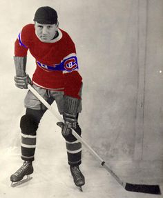 The history of hockey told through hockey jerseys Hockey Teams, Hockey Players, Ice Hockey, Montreal Canadiens, Chicago Blackhawks, Pittsburgh Steelers, History Of Hockey, Hockey Pictures