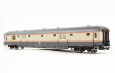 """HR4223 Carrozza bagagliaio UIC-X 1970, livrea """"bandiera"""", FS New Price: 49.90 €"""