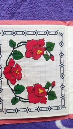 Cross Stitch Animals, Hmong Clothing, Hand Embroidery, Cross Stitch Patterns, Diy And Crafts, Projects To Try, Floral, Pillows, Cross Stitch Love