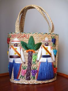 I love these vintage souvenir straw bags. Such a unique momento! This is a particularly detailed and creative example. Vintage Straw Beach Bag Nassau Bahamas by JennythingVintage, $18.00