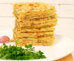 Khychyny: awesome tortillas on kefir with cheese and potatoes - Grillen Styla Festive Bread, Snack Recipes, Cooking Recipes, Good Food, Yummy Food, Veg Dishes, Kefir, Other Recipes, Yummy Cakes
