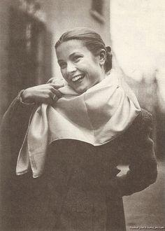 lovely photo of Grace Kelly.