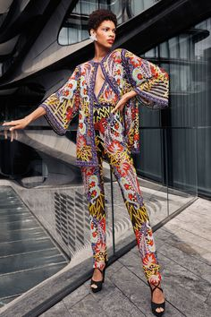 Naeem Khan Spring 2021 Ready-to-Wear Collection - Vogue Naeem Khan, Summer Fashion Trends, Fashion Week, Spring Fashion, High Fashion, Couture Fashion, Runway Fashion, Vogue India, Fashion Prints