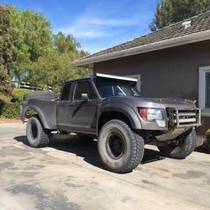Ford Ranger w/Raptor conversion fiberglass. This would be soo much work