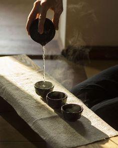 The Tea Ceremony Moment / Shiboridashi teaset by Viter Ceram.- The Tea Ceremony Moment / Shiboridashi teaset by Viter Ceramics 🍵 (Viter Ceramics) Source by roughlyalwayssobright - Korean Tea, Asian Tea, Tea Japan, Kyoto Japan, Japanese Tea Ceremony, Tea Ceremony Japan, Best Matcha Tea, Tee Set, Tea Culture