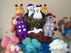 Bichinhos de feltro set arca de noé, composta por 7 casais de bichos( 14 bichinhos), sendo eles: girafa, macaco,elefante, hipopótamo,ovelha, pinguim, leão.  Ideal para decoração de mesa, lembrancinha, centros de mesa. R$240,00