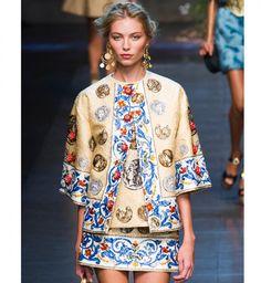 """L'imprimé """"Grèce antique"""", défilé printemps été 2014 Dolce&Gabbana - Cosmopolitan.fr"""
