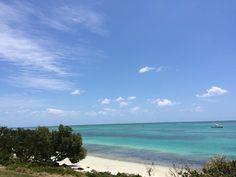 My commute doesn't suck. #floridakeysplease #islamorada #annesbeach #othersideboardsports #wakeboarding #kiteboarding #paddleboarding #exploremore #floridakeys #nofilterneeded #beachdaze #keyslife #islandlife by othersideboardsports
