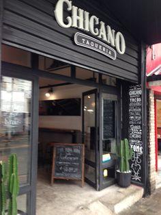 Fachada do Chicano Taqueria, em São Paulo. Projeto de restaurante realizado pelo escritório Vitor Dias Arquitetura - vdarquitetura.com