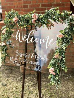 Clear Glass Look Acrylic Wedding Welcome Sign, Personalized Modern Wedding Welcome Sign Decoration for Display, Custom Wedding Sign - Wedding Planning Wedding Welcome Signs, Wedding Signs, Wedding Table, Diy Wedding, Wedding Ceremony, Rustic Wedding, Dream Wedding, Wedding Day, Quirky Wedding