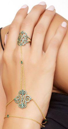 Crystal Hand Bracelet //