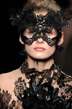 Valentino Fall 2009 Couture - Collection - Gallery - Style.com