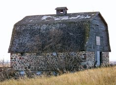 Just like grandpas Stone Barn - Saskatchewan Canada Photo by CanadaGood Old Stone, Brick And Stone, Stone Work, Stone Barns, Stone Houses, Farm Barn, Old Farm, Country Barns, Country Life