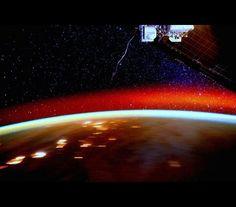 Mais de 300 dias no espaço resultam em imagens incríveis