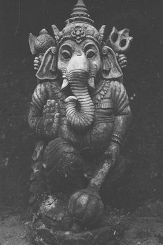 Make this Ganesha Chathurthi 2020 special with rituals and ceremonies. Lord Ganesha is a powerful god that removes Hurdles, grants Wealth, Knowledge & Wisdom. Indian Gods, Indian Art, Shiva, Little Buddha, Art Asiatique, Lord Ganesha, Shri Ganesh, Ganesh Statue, Gods And Goddesses