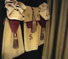 Show Towels Pinteres - Bathroom towel display arrangement ideas