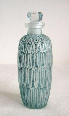 Lalique Petites Feuilles bottle c.1910