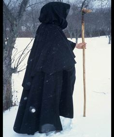 Love this cape! Looks really warm, very medieval. sca renaissance larp middle ages