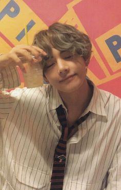 bts, taehyung, and v image Foto Bts, Bts Photo, Daegu, Bts Jimin, Bts Bangtan Boy, V Bts Cute, I Love Bts, Kim Namjoon, Kim Taehyung