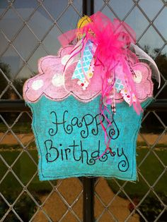 Cuteness! This cupcake door hanger is great for any birthday celebration! It will make your door pop!! Its made from burlap and hand painted. Size