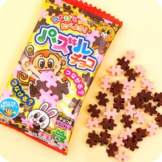 Buy Kracie Colourful Choco Strawberry DIY Puzzle Candy at Tofu Cute Japanese Candy, Japanese Sweets, Cute Snacks, Cute Food, Yummy Drinks, Yummy Food, Korean Sweets, Junk Food Snacks, Candy Packaging