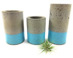 Browse unique items from UCdesign on Etsy, a global marketplace of handmade, vintage and creative goods. Concrete Planters, Succulent Planters, Succulents, Planter Pots, Diy And Crafts, Arts And Crafts, Concrete Design, Edible Plants, Outdoor Survival