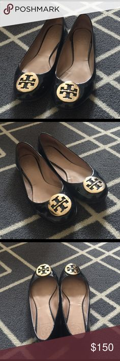 Tory Burch Flat Gorgeous Tory Burch Gloss Black Flat with Gold Hardware❌Trade Tory Burch Shoes Flats & Loafers