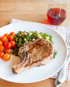 How To Cook Tender & Juicy Pork Chops in the Oven — Cooking Lessons from The Kitchn. In my opinion the BEST way to cook pork chops (except I don't brine, never tried it ? Pork Chop Recipes, Paleo Recipes, Dinner Recipes, Cooking Recipes, Health Recipes, Dinner Menu, Lunch Recipes, Food Network, Perfect Pork Chops