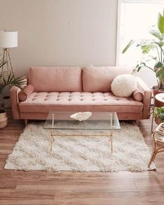 43 Attractive Pink Living Room Designs Ideas That Looks So Charming - Color schemes come and go with different design trends, but pink has always been a favorite among designers. Contrary to popular belief, it's not just. Boho Living Room Decor, Home Living Room, Living Room Designs, Beautiful Sofas, Cute Room Decor, Dream Decor, Home Interior Design, Room Inspiration, Pink Couch