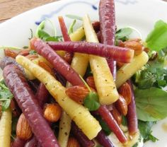 Baby Carrot Salad with Almonds and Yoghurt Easter Recipes, New Recipes, Easter Food, Farro Recipes, Carrot Salad, Roasted Meat, Baby Carrots, Toasted Almonds, Stuffed Peppers