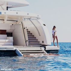 The Best Luxury Lifestyle – Estilo de vida de lujo - Vida de Luxúria Yacht Party, Luxury Lifestyle Women, Boujee Lifestyle, Wealthy Lifestyle, Instagram Lifestyle, Billionaire Lifestyle, Yacht Boat, Luxury Living, Sexy Bikini