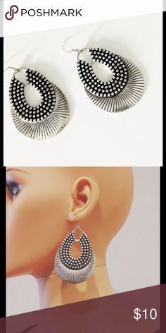 # Fashion Earrings Lightweight. I believe stainless steel. na Jewelry Earrings