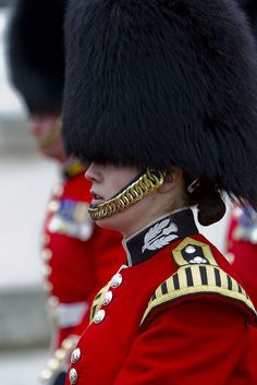 British Army, Household Division Foot Guards in London Military Guard, Military Uniforms, British Army Uniform, English Gentleman, Royal Guard, Royal Air Force, Royal Navy, My Heritage, British Isles