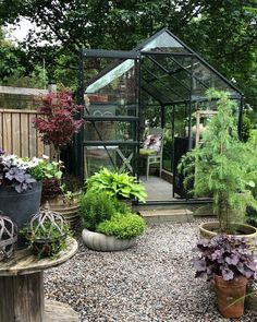 How to make the small greenhouse? There are some tempting seven basic steps to make the small greenhouse to beautify your garden. Greenhouse Kitchen, Miniature Greenhouse, Outdoor Greenhouse, Portable Greenhouse, Greenhouse Interiors, Backyard Greenhouse, Small Greenhouse, Greenhouse Wedding, Greenhouse Plans